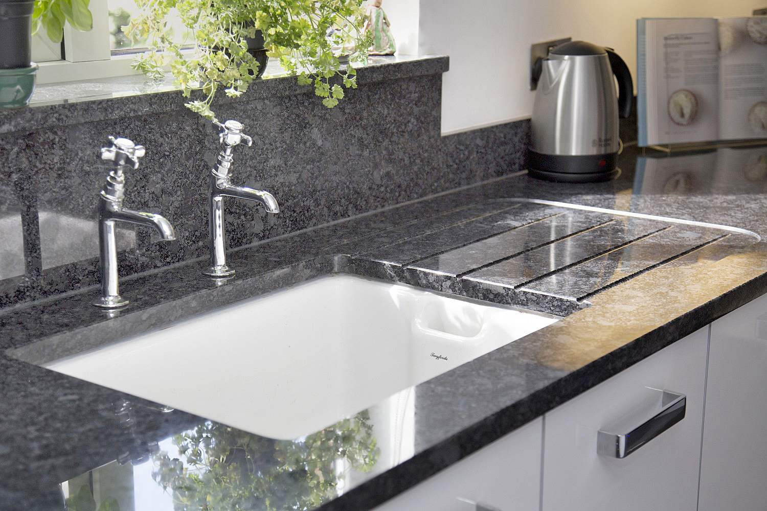 granite worktop store low prices in granite and quartz. Black Bedroom Furniture Sets. Home Design Ideas